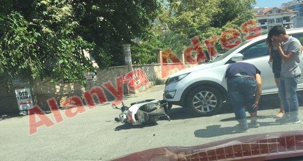 Alanya'da şok kaza! Motosiklet sürücüsü yaralandı