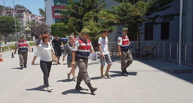 Telefon hırsızı turistler yakalandı