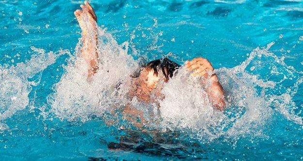 6 yaşındaki çocuk otel havuzunda can verdi