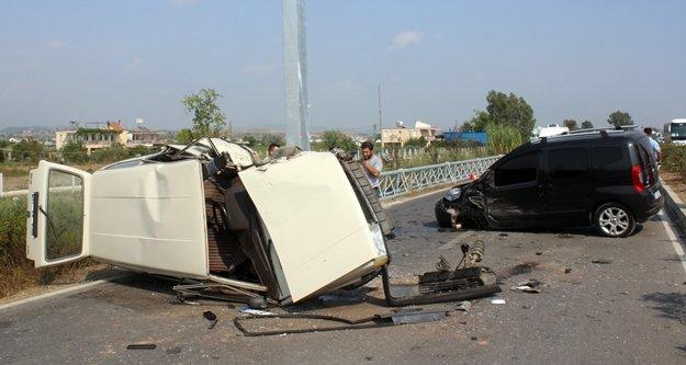 Alanya yolunda feci kaza: 3 yaralı var