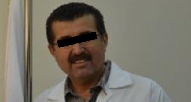 Doktor bıçak parası almaktan tutuklandı