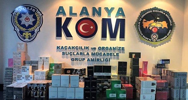 Alanya'da kaçak parfüm operasyonu