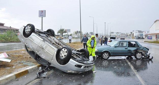 Arıza yapan otomobile arkadan çarptı: 2 yaralı