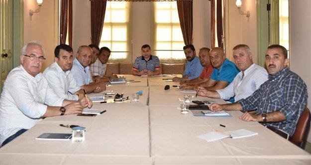 Başkan Yücel komisyon üyelerini topladı
