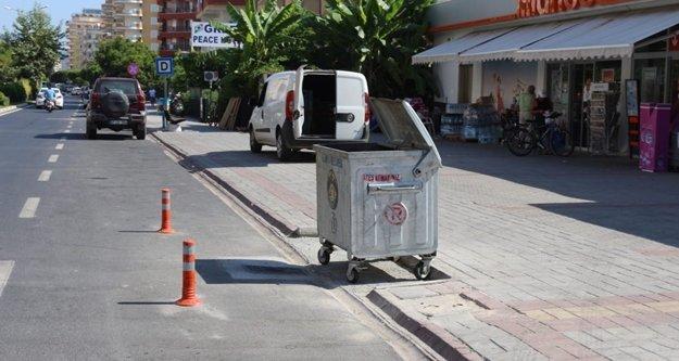 Çöp konteynerlerine cep yapılıyor