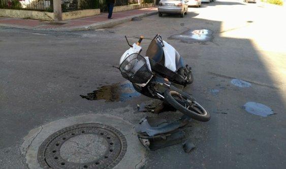 Elektrikli bisiklet otomobile çarptı: 2 yaralı