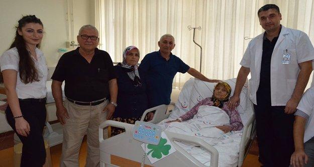Hastanede yaşlılar unutulmadı