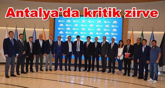 Türel'le Alanya'ya yapılan yatırımlar görüşüldü