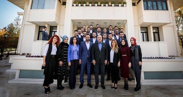 Alanya Ak Gençlik Çavuşoğlu'nu ziyaret etti