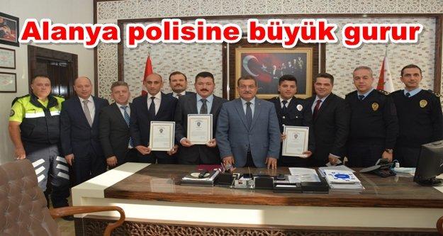 Antalya'da 'Ayın Polisi' Alanya'dan