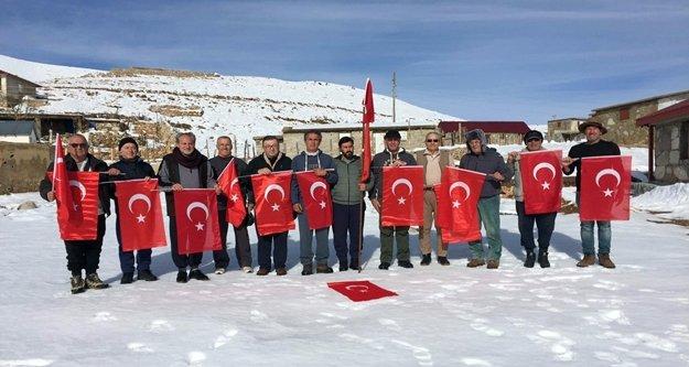 Atatürk sevgisi Söbüçimen'e taşındı