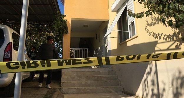 Baba ve 2 çocuğu evde ölü bulundu
