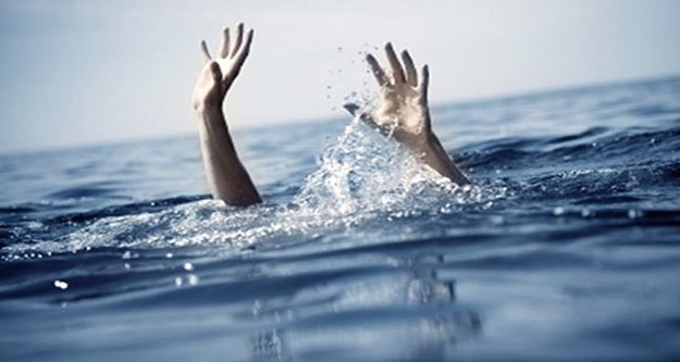 Denize giren veteriner hekim boğuldu
