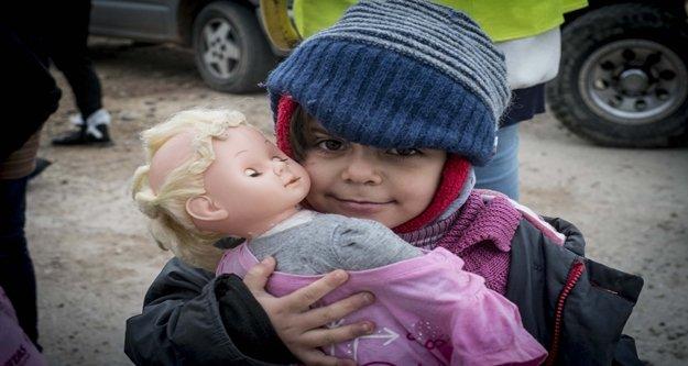 Mülteci çocukların problemleri 2 bin doktorla masaya yatırılacak