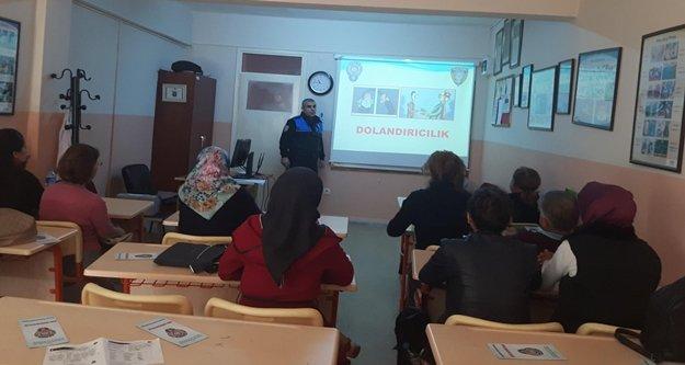 Polis Alanya'ya güvenlik semineri veriyor