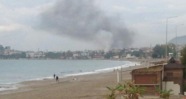 Alanya'yı kaplayan yangın dumanı korkuttu
