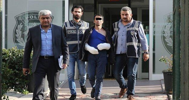 Eşini öldürüp 1 kişiyi yaralayan koca tutuklandı