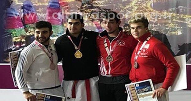 Karatede bir madalya daha