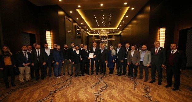 Bakan Kurtulmuş'a 'Helal Turizm Raporu' sunuldu