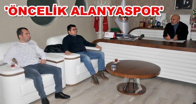 Çavuşoğlu, Beşiktaş ve Galatasaray'ı konuk etti