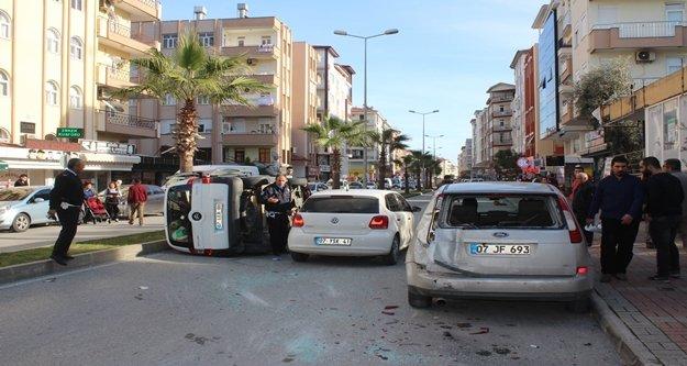 Cipin çarptığı araç devrildi: 2 yaralı