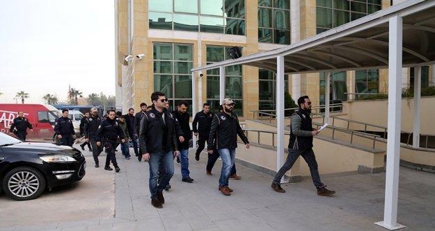 FETÖ'nün sözde imamı olduğu iddia edilen 8 şüpheli tutuklandı