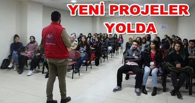 Gençlik Merkezinde işaret dili toplantısı