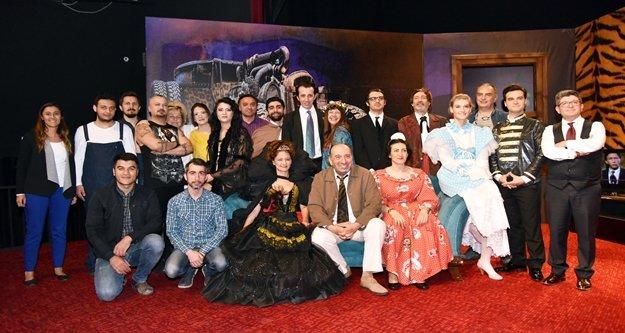 Alanya Belediye Tiyatrosu, yeni bir oyunu tanıttı