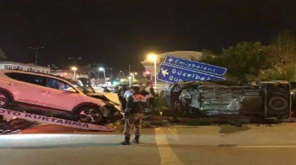 Alanya'da feci kaza! Araçlar hurdaya döndü