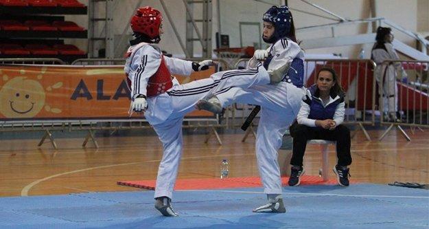 Alanya'da taekwondo heyecanı başladı