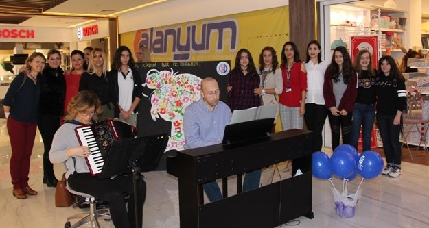 Alanyum'da kadınlara özel sergi
