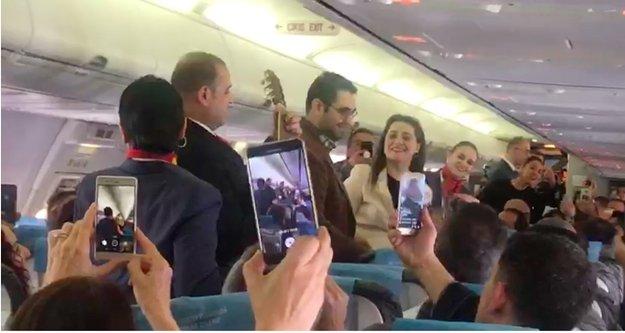 Antalya-Berlin uçağında müthiş sürpriz