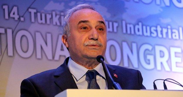 Bakan Fakıbaba, 'Türkiye'de yılda 1,7 milyar ekmek israf ediliyor'