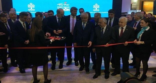 Bakan Kurtulmuş, ITB Fuarı'nda Türkiye standının açılışını yaptı