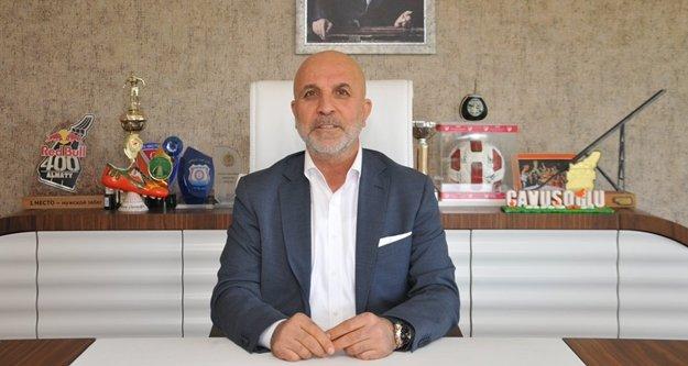 Başkan Çavuşoğlu'ndan tebrik ve maça davet