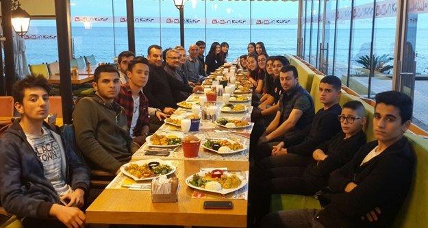Şampiyonlar yemekte buluştu