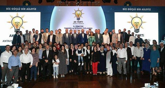 AK Parti 2019 yolunda eğitim kampına girdi