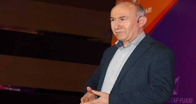 Prof. Dr. Şimşirgil'nden tarihi dizilere eleştiri