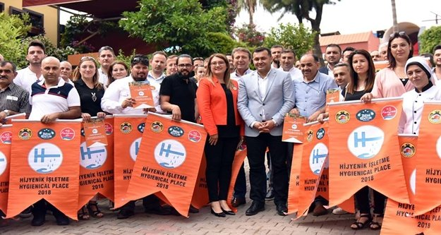 Alanya'da 131 işletmeye turuncu bayrak