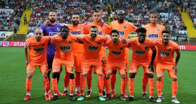 Alanyaspor Süper lig'de kaldı