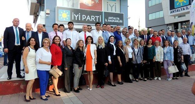 İYİ Parti'li milletvekili aday adayları tanıştı