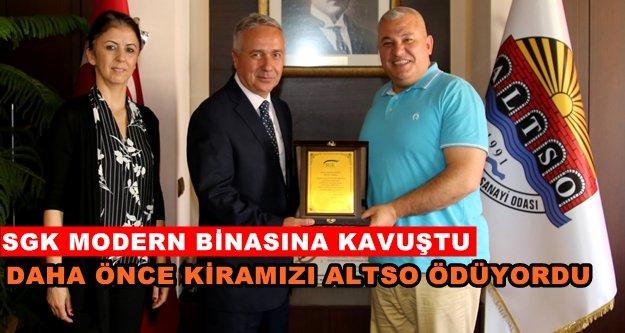 SGK Müdürü'nden Başkan Şahin'e teşekkür plaketi