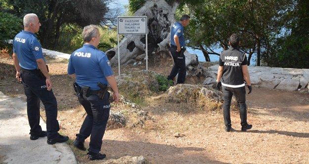 Metruk yapılara polis baskını