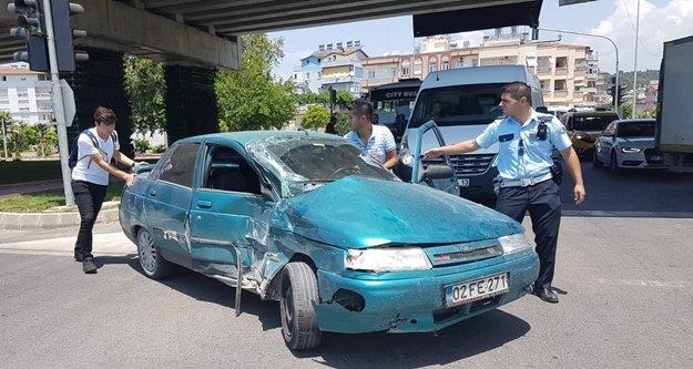 Trafik kazası: 1'i Kırgız turist 3 yaralı
