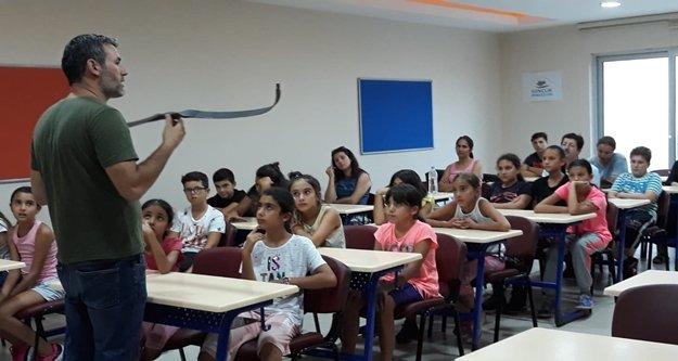 Alanya'da gençler ok atmayı öğreniyor