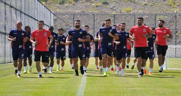 Alanyaspor Erzurum kampını sürdürüyor