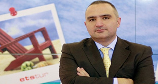 Bakan Ersoy turizmin başkenti Antalya'da sektör temsilcileriyle buluşacak