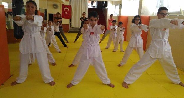 Taekwondo dur durak bilmiyor