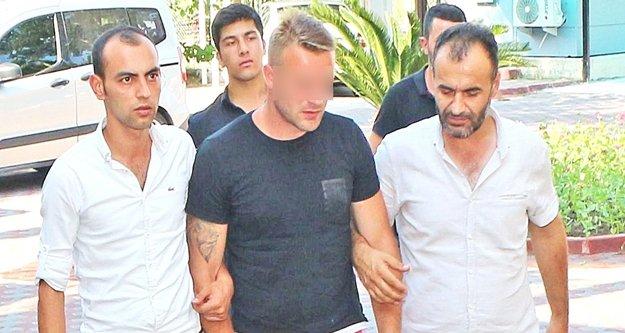 Temmuz sıcağında kürk çalan Rus turist yakalandı