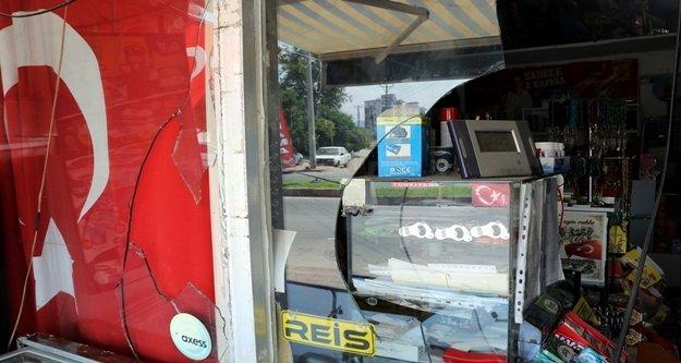 Türk bayrağı asılı markete saldırıya 3 tutuklama